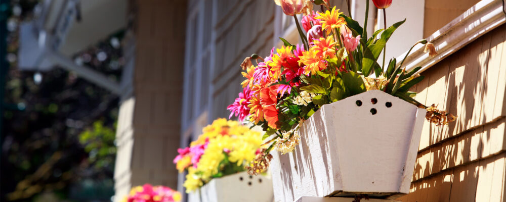 The golden rules of using flowers to sell your home